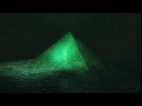 Скляні піраміди на дні Бермудського трикутника