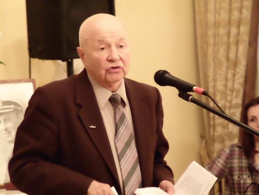 Володимир Ажажа