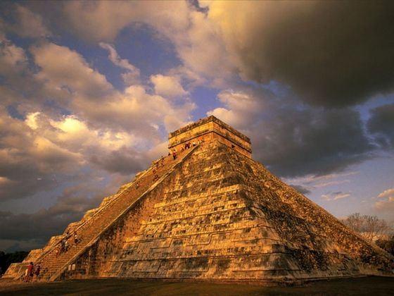 Піраміда ацтеків