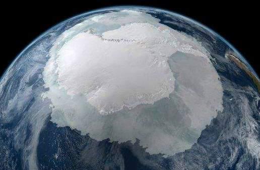 Сліди НЛО в Антарктиді