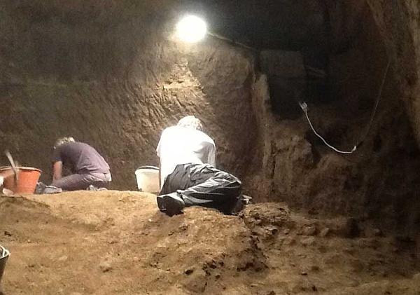 Розкопки доісторичних місць