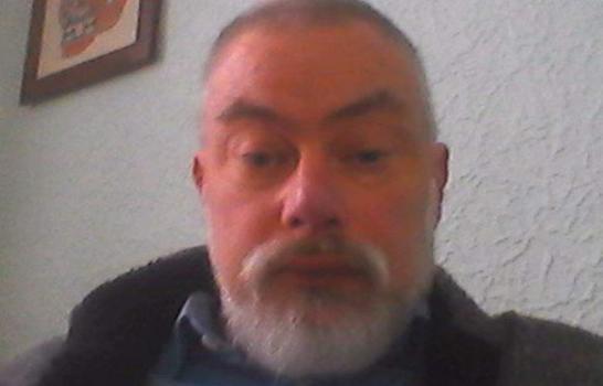 Уфолог Тім Бартроп